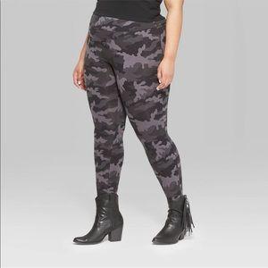 Women's Plus Size Camo High-Waist Leggings! NWT